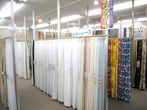 2Fカーテン売場